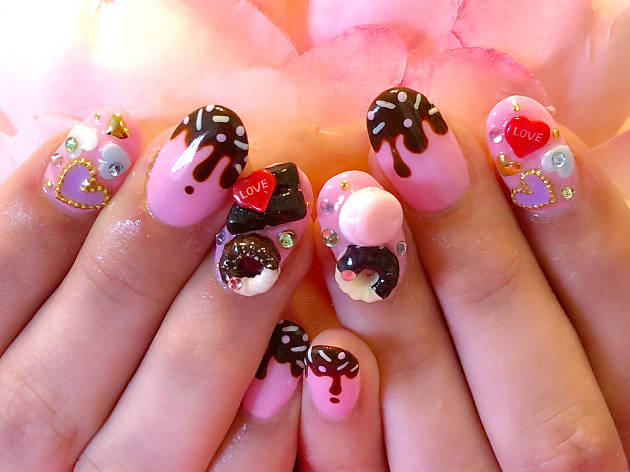 Nail Salon Pinky