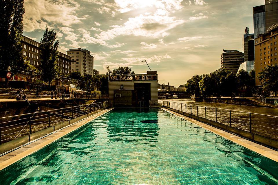 Badeschiff Pool, Vienna