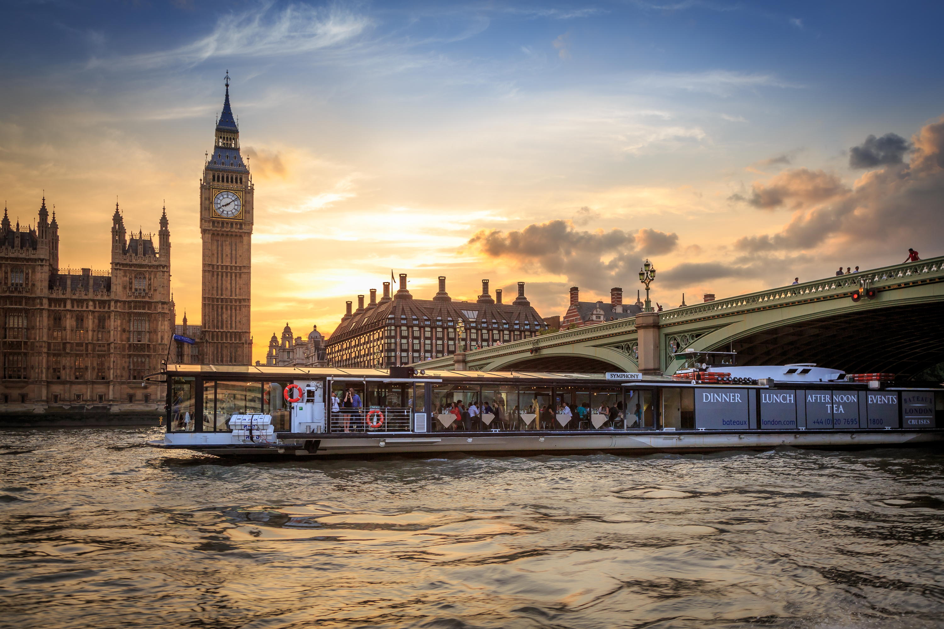 Win a luxury dinner cruise for two courtesy of Bateaux London