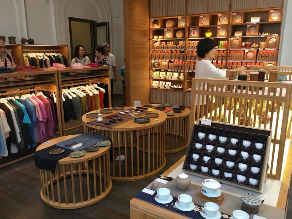LokCha Tea Shop interior