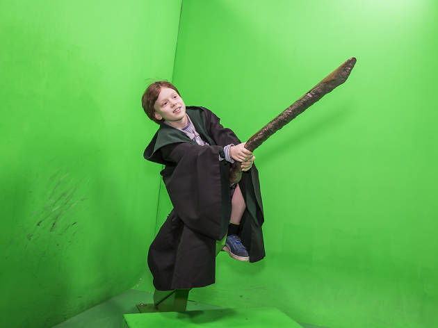 Warner Bros Harry Potter Experience, flying a broomstick