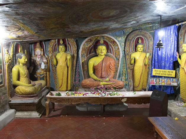 Alu Viharaya Rock Temple, Matale