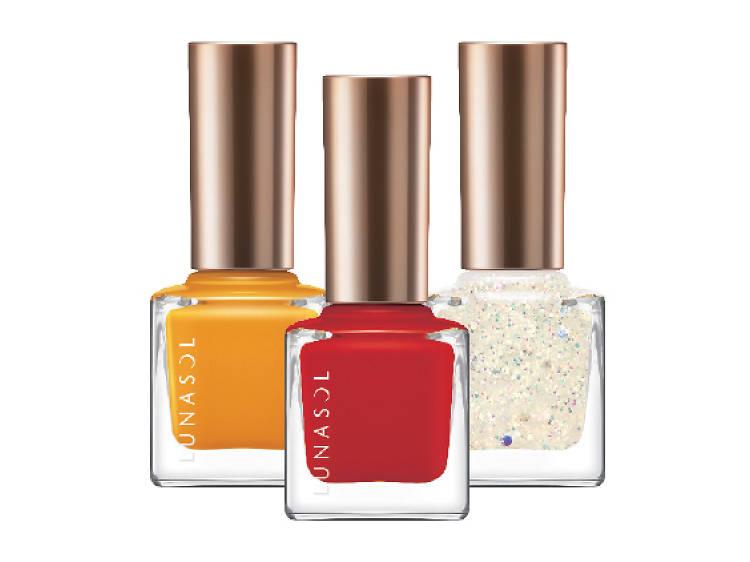 Seasonal nail shades