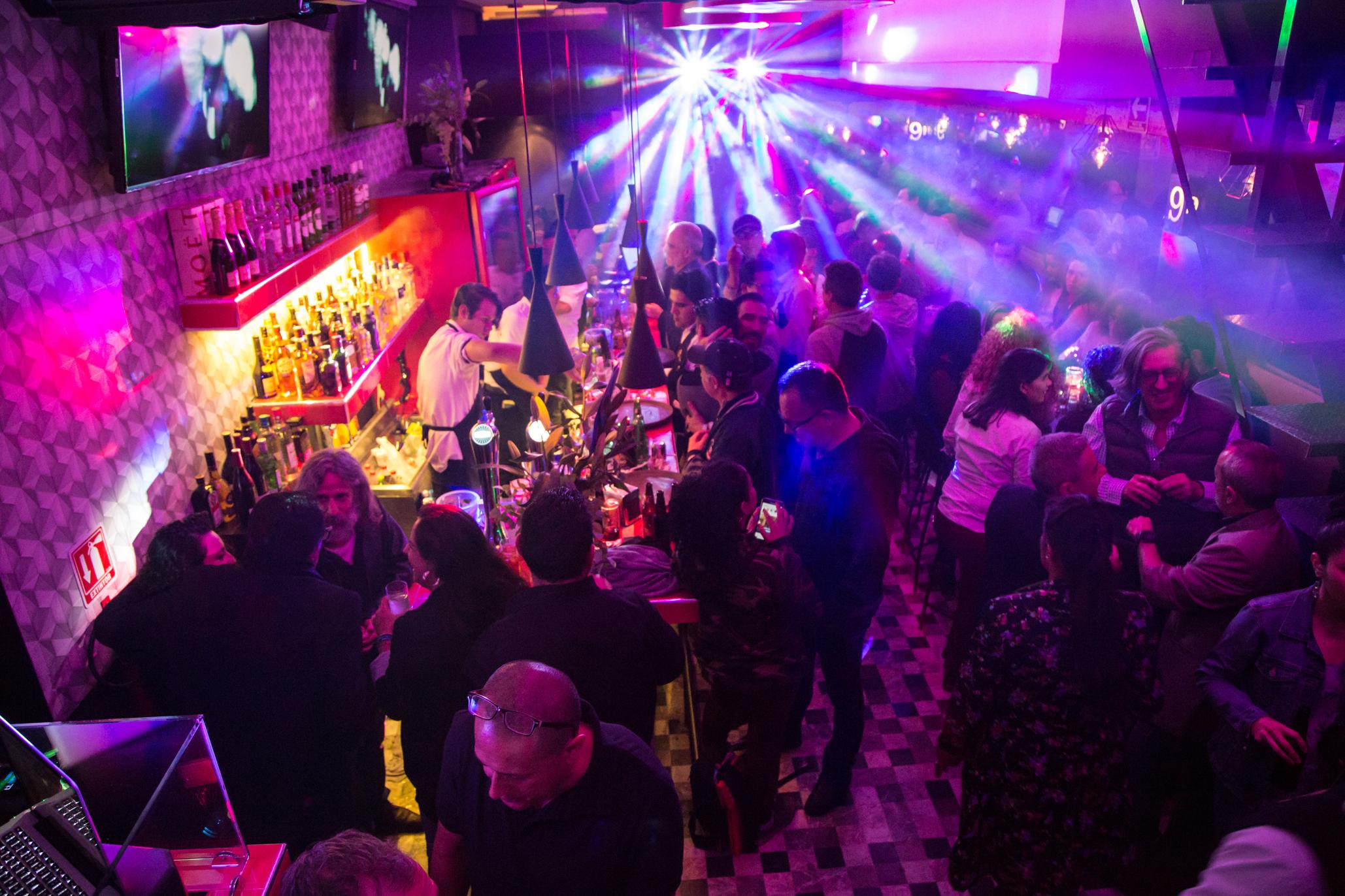 Baños Discoteca Porno lugares gay en la zona rosa de la ciudad de méxico