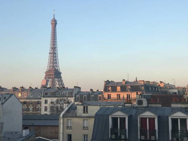 Airbnb Paris Eiffel Tower view