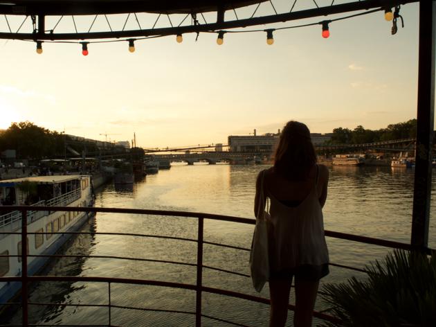Faro Faro, la nouvelle guinguette sur l'eau