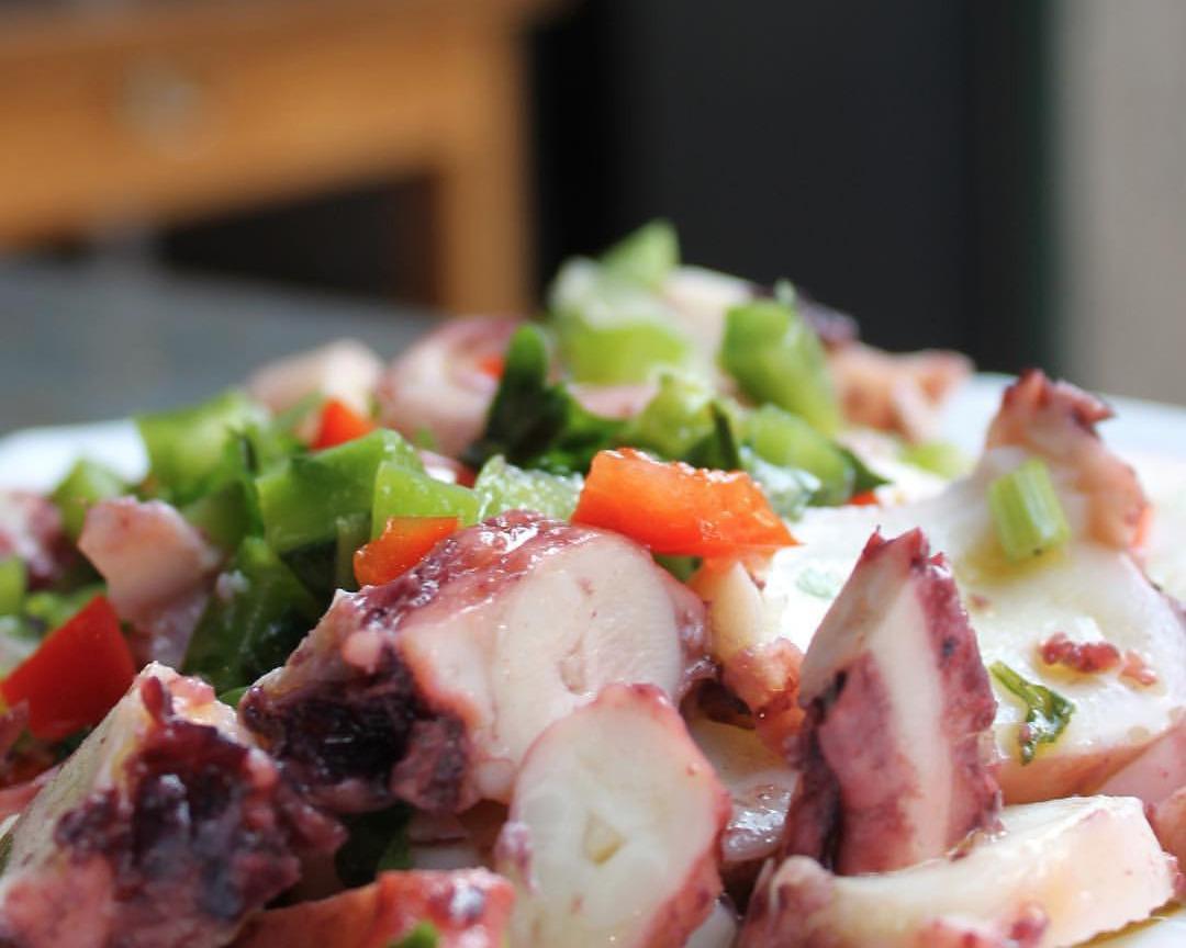 Três sítios para comer salada de polvo no Porto