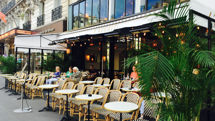 Les 43 meilleurs bars parisiens où boire un verre en terrasse