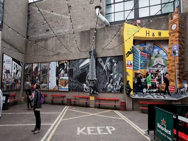 Belfast street murals