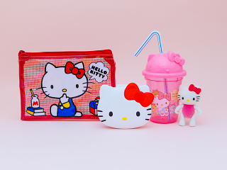 100 yen souvenirs - Hello Kitty