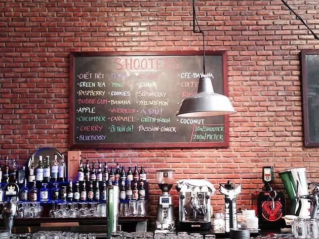 Luna Pub, Da Nang