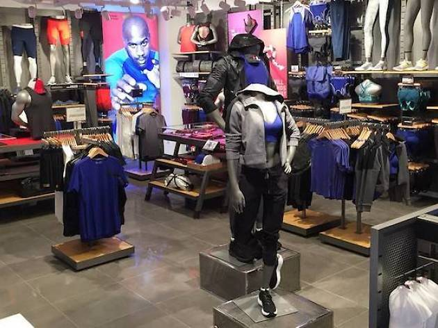realidad Mojado ego  Under Armour at Paragon | Shopping in Orchard, Singapore