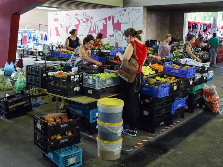 09.00 - Faça compras no Mercado Municipal