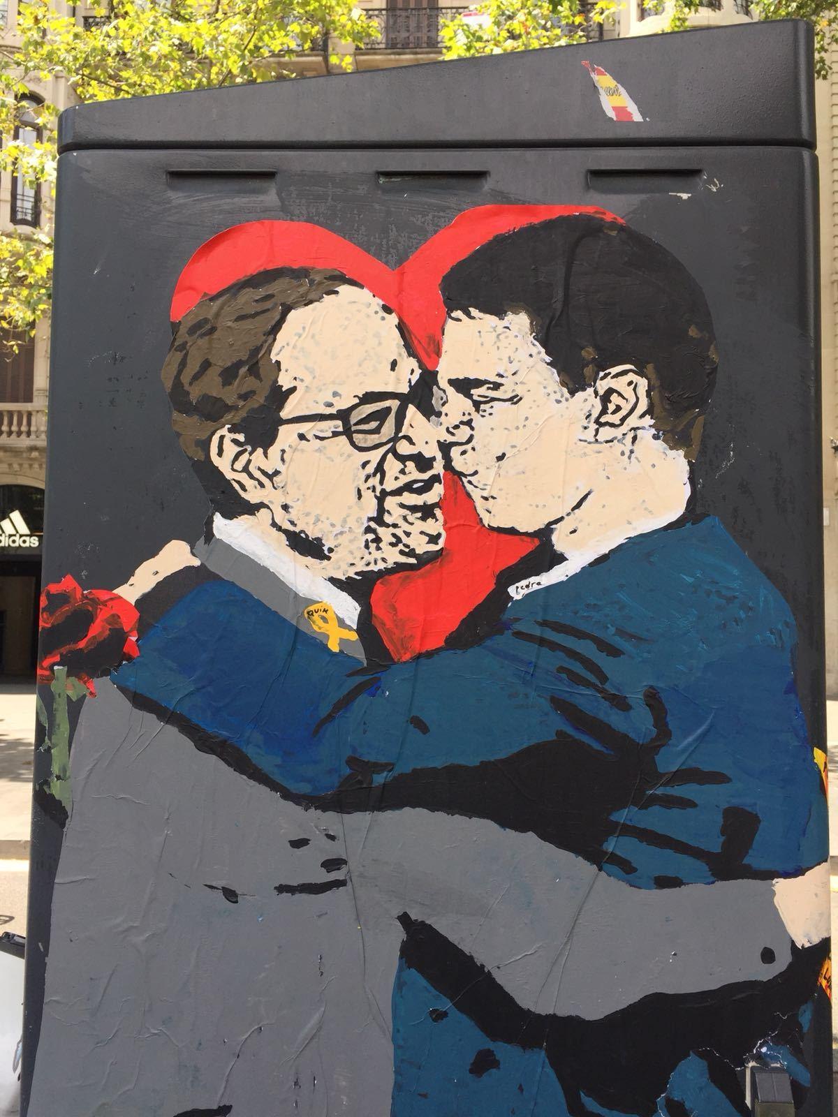El petó de Torra i Sánchez (a BCN)