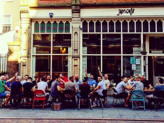 Jam Café, EITW