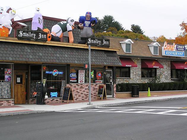 Smalley's Inn, EITW