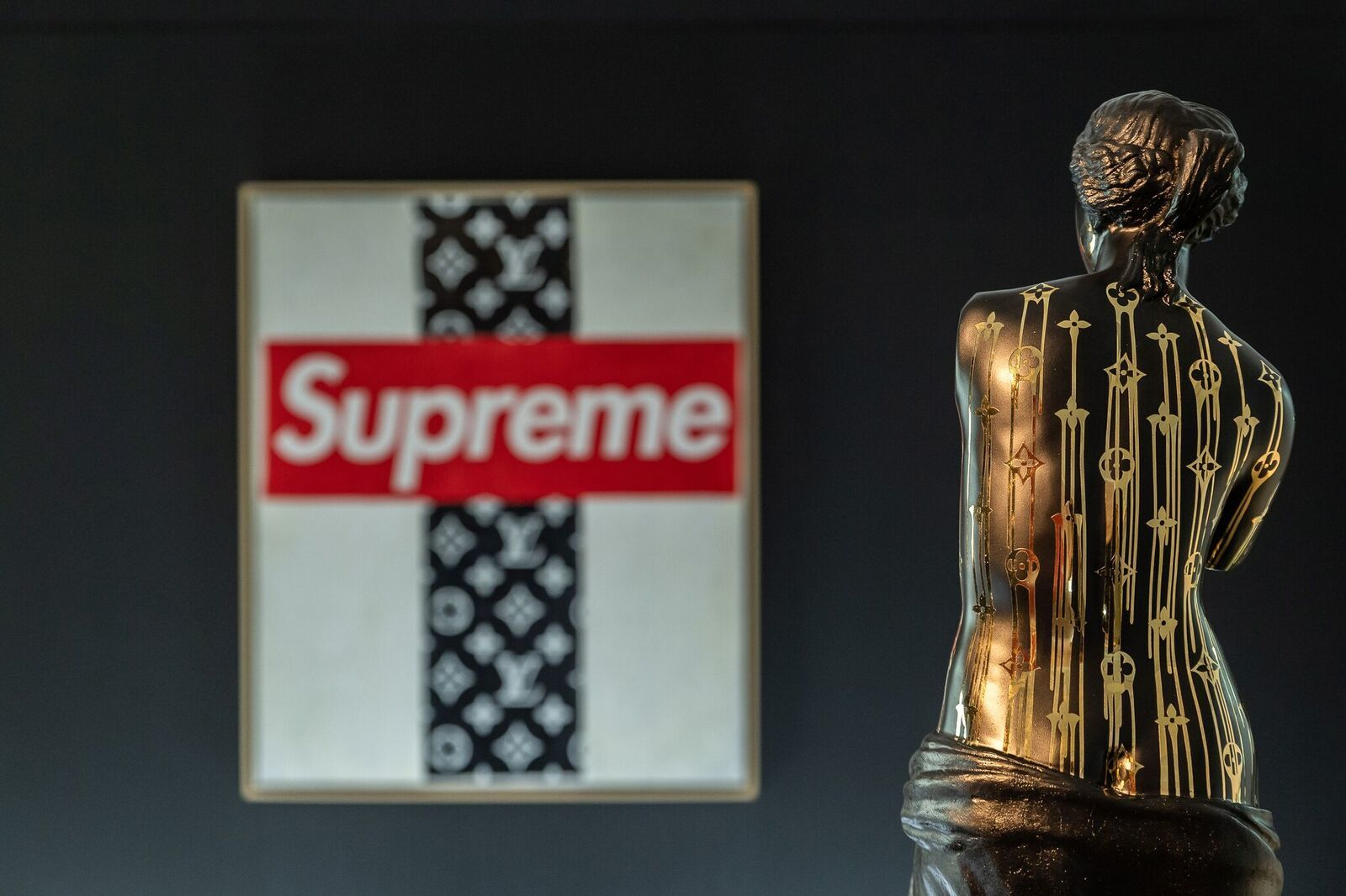 Zevs: Louis Vuitton x Supreme