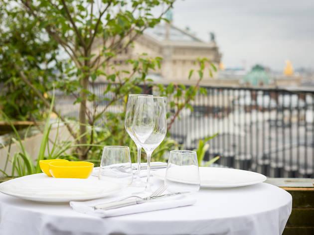 Perruche, le nouveau resto-bar perché sur le rooftop du Printemps Haussmann