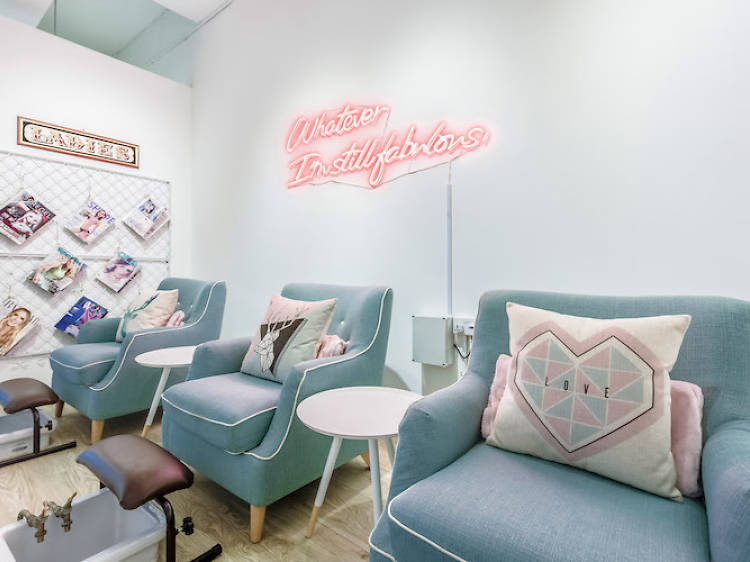 Express lunchtime beauty treatments to try in Singapore
