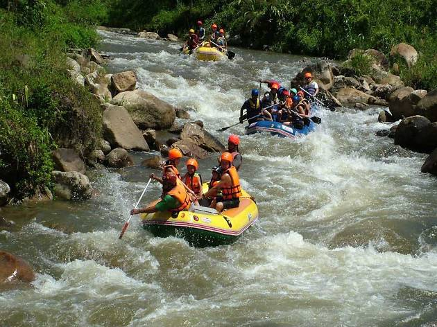 River rafting at Songprak River