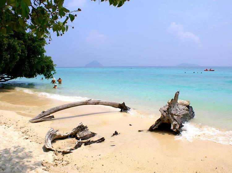 Laem Thong Beach