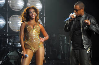 Beyonce and Jay Z perorming at On the Run Tour part 2