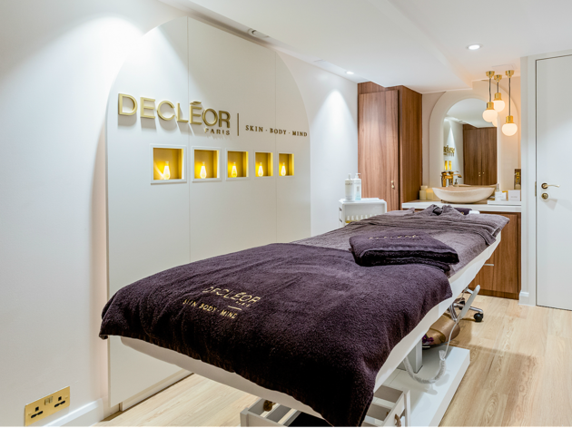 Decleor massage room