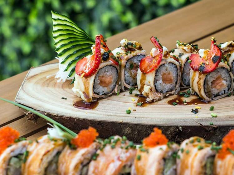 E ali mesmo ao lado, o Moa Sushi