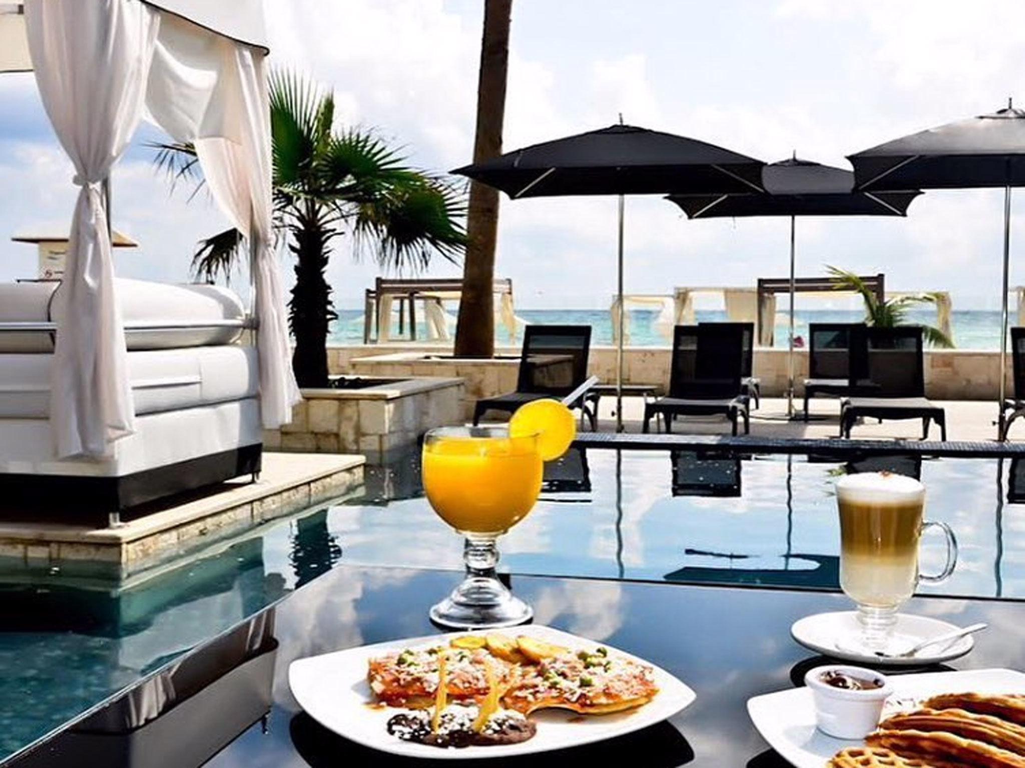Mamitas Beach Club - Playa Del Carmen - Mexico