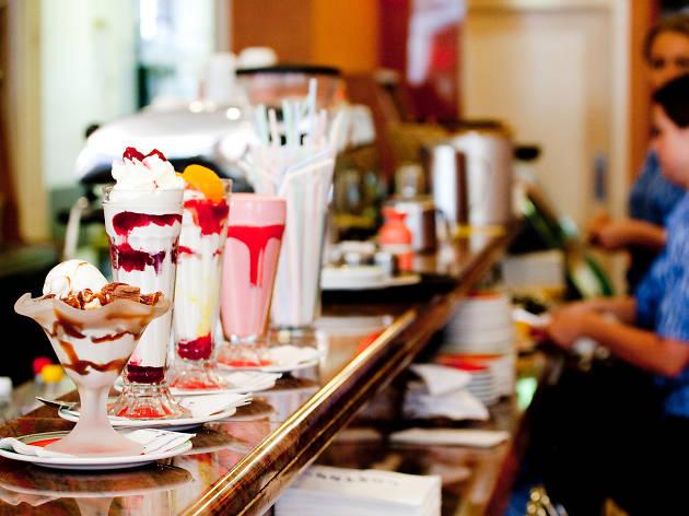Tomassi's cafe, Southend