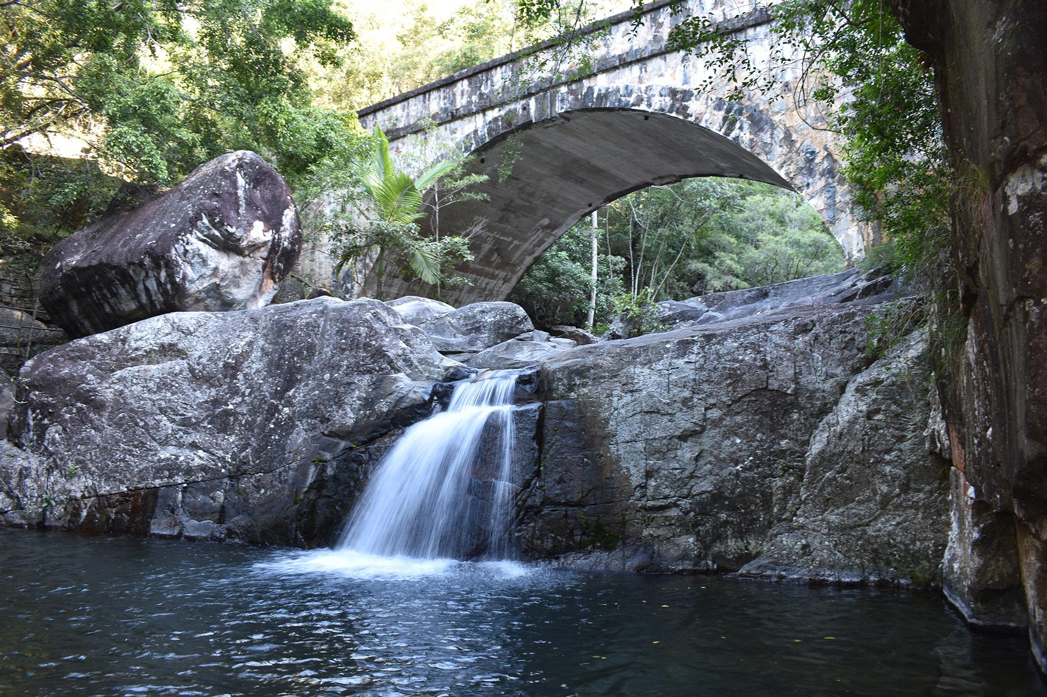 Crystal Cascades, eitw