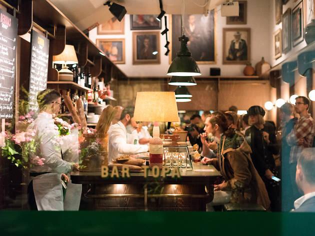 Bar Topa interior and bar