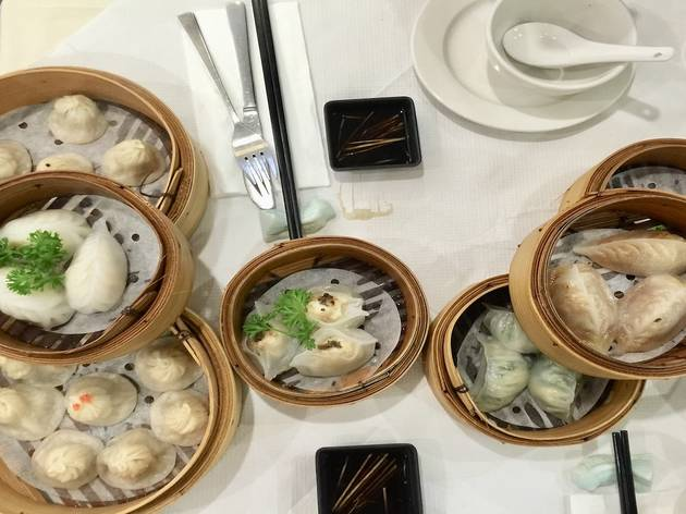 Bottomless dim sum at Leong's Legend