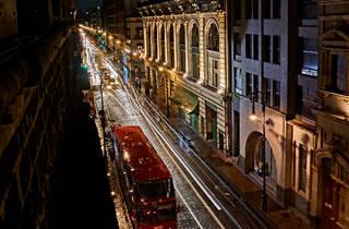 Turibus en las calles del Centro Histórico de la CDMX