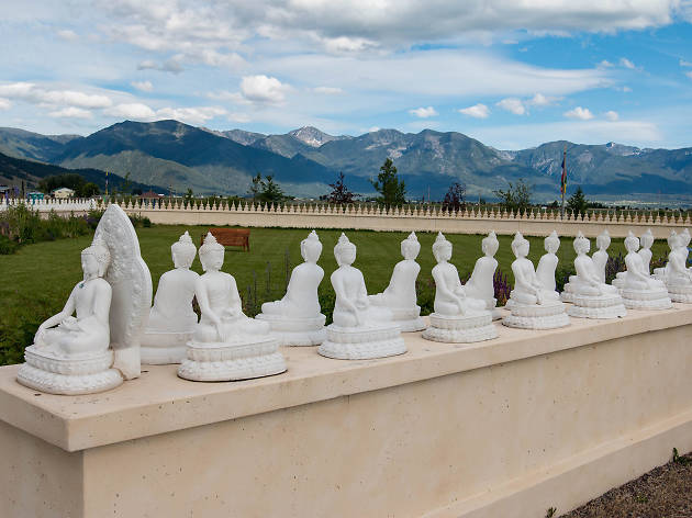 Garden of One Thousand Buddhas, eitw