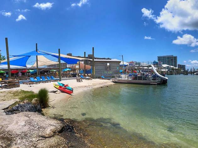 Flora-Bama Yacht Club, eitw
