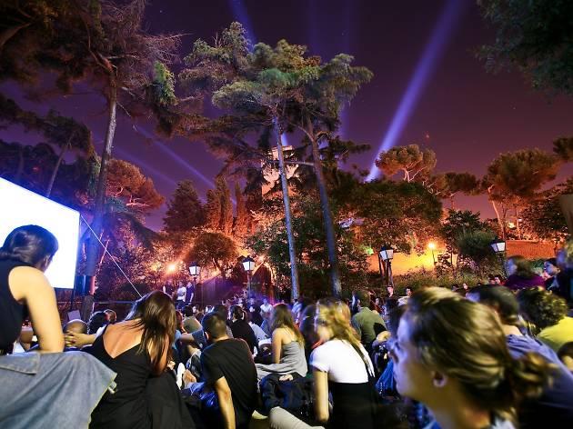 Sitges i In-Edit porten cine a la fresca al Poble Espanyol