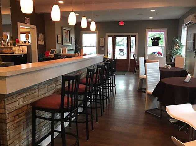 700 Bistro Cafe and Wine Bar