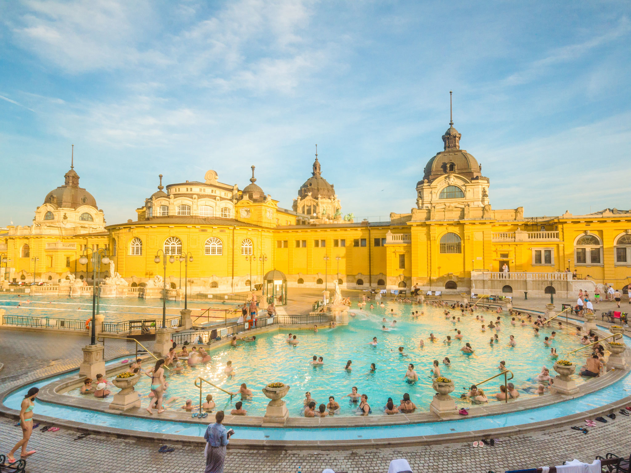 10 relaxing spas and thermal baths in Budapest