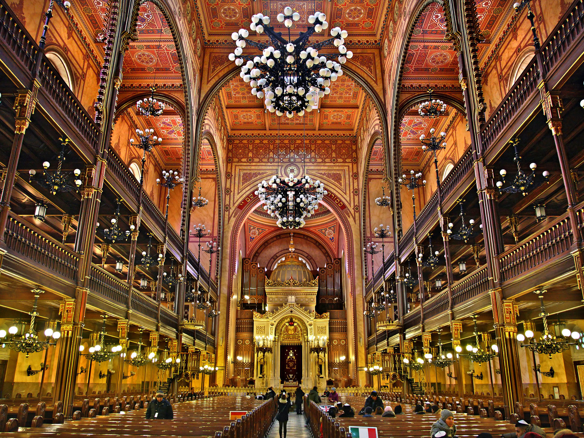 Dohány Street Synagogue | Things to do in Budapest