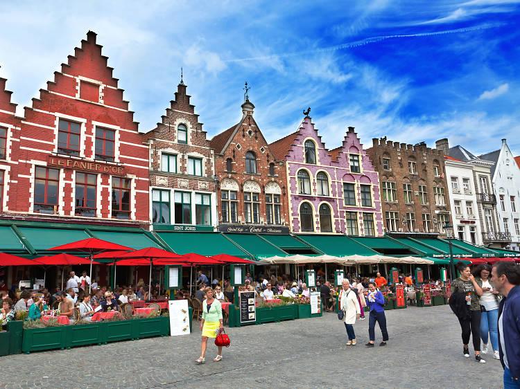 Praça do mercado na Bélgica
