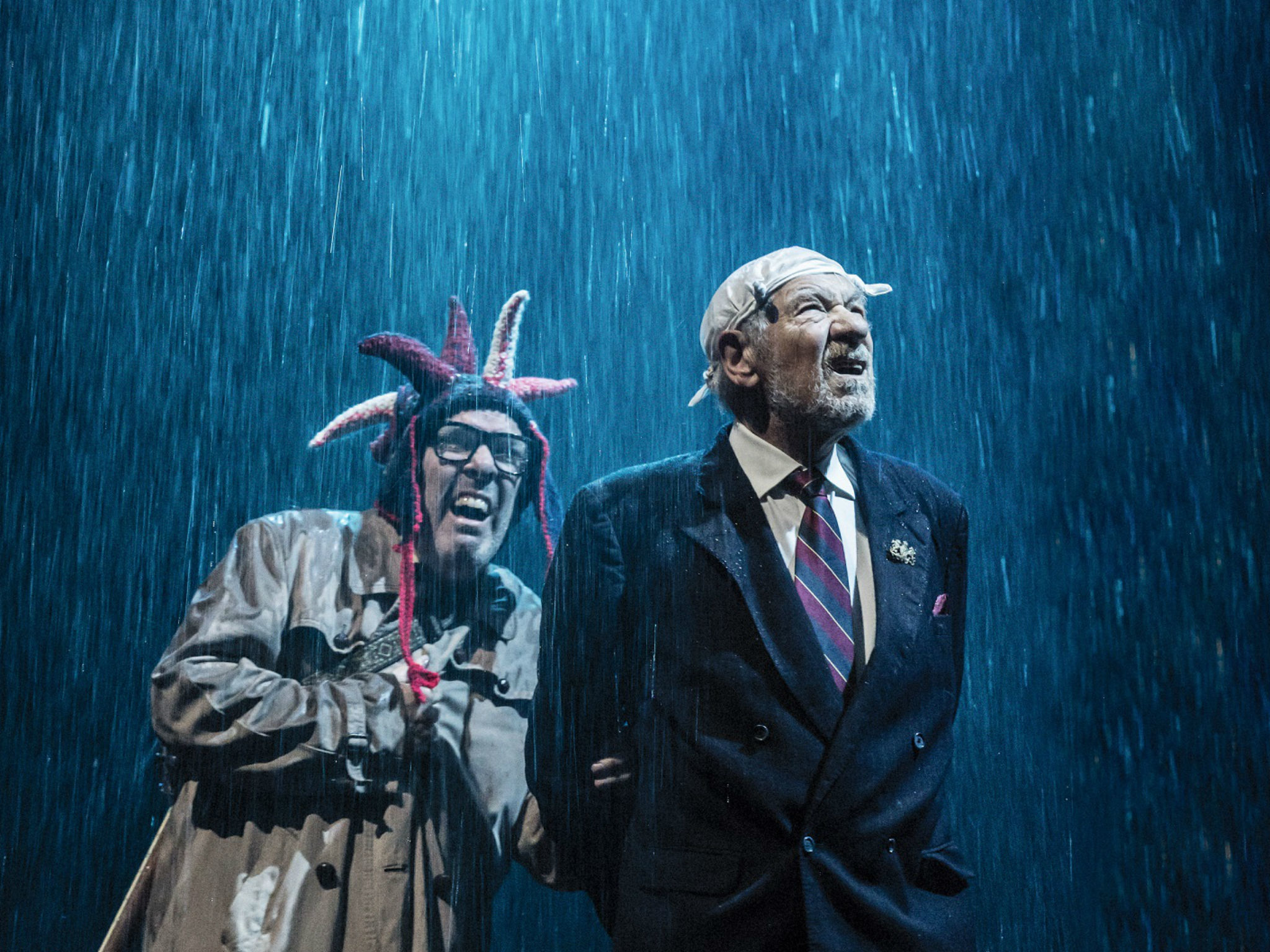 "<meta charset=""utf-8"" /><p><span>Lloyd Hutchinson as Fool and Ian McKellen as King Lear</span></p>"