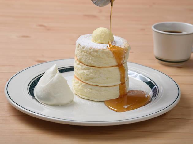 Gram fluffy pancakes