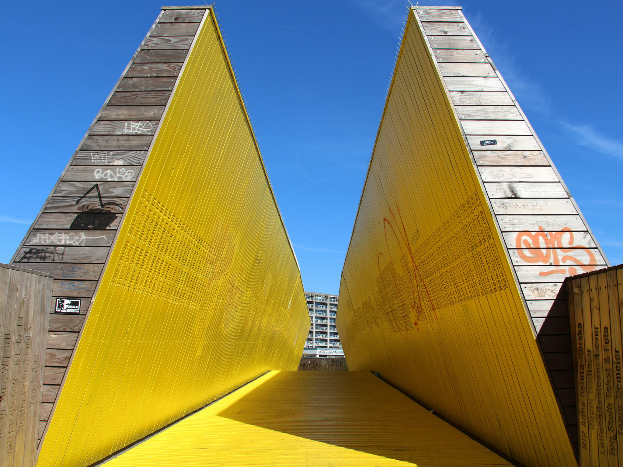 Luchtsingel Pedestrian Bridge (Yellow Path) - Rotterdam - Netherlands
