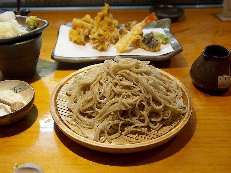 Appreciate pure noodle artistry with a side of tempura at Kyorakutei