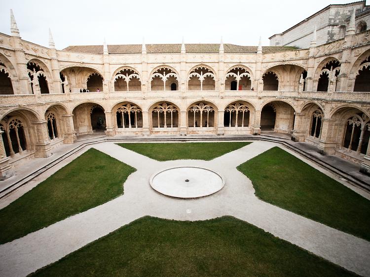 Visitar o mosteiro sem turistas