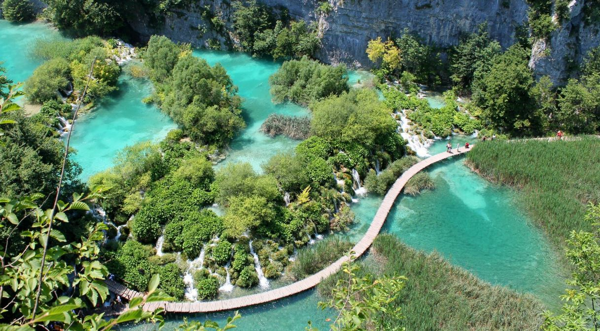 Everything you need to know about Plitvice lakes