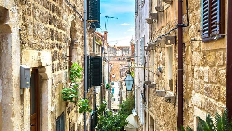 Dubrovnik alleyway