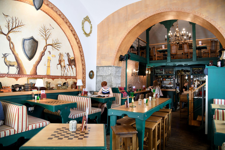King's Caffe Food Pub