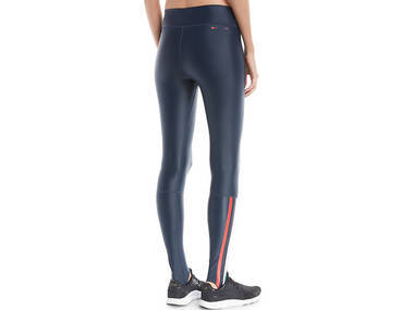 The pairs of perfect yoga pants to pull on this season